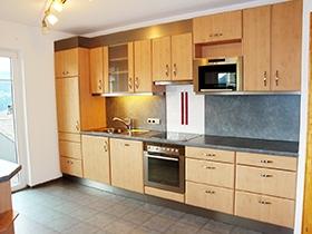 Appartementhaus Alpenjuwel: Küchenzeile (Beispiel)