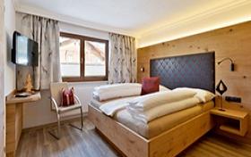 Alpinschlössl in Mayrhofen: Schlafzimmer Beispiel